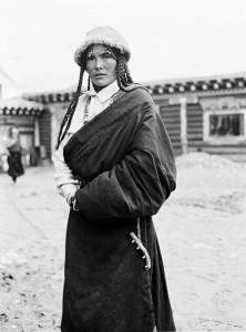 tibettibetischer-mann-in-maniganggo-kham-osttibet-2001